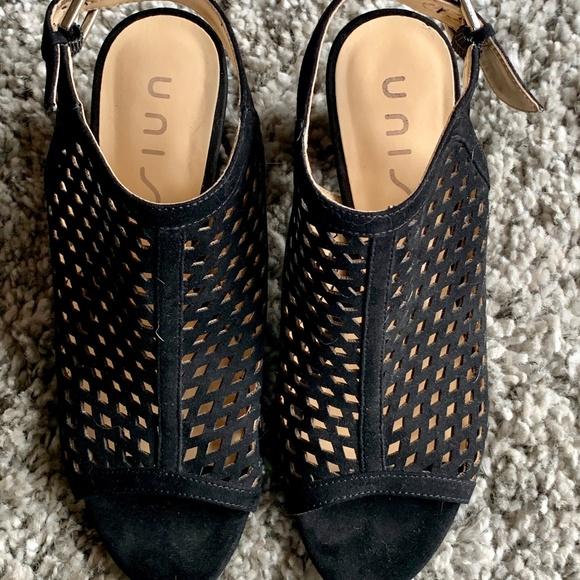 e8f7ca4e87 Unisa Shoes   Black Pryce Sandal   Poshmark